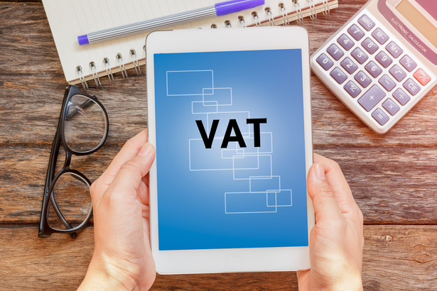 TS: Obniżony VAT nie dla książek dostarczanych elektronicznie