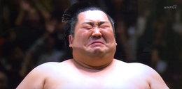 Zapaśnik sumo rozpłakał się jak dziecko. Niebywały widok