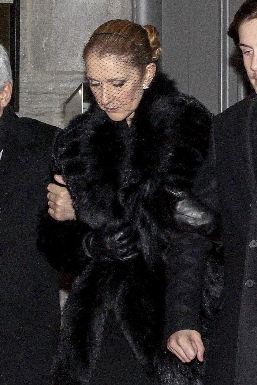Celine Dion w żałobnym stroju