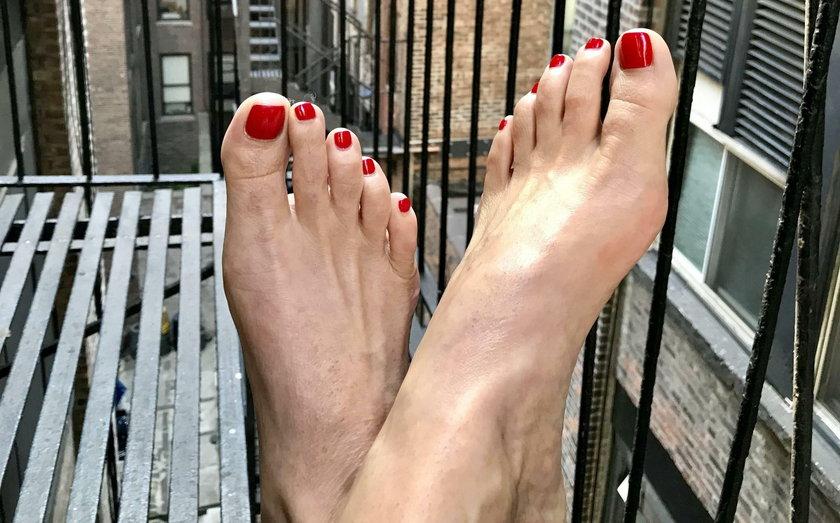 Gweneth Lee (50 l.) uwielbia robić zdjęcia swoim stopom