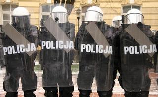 Szef MSWiA: Policja cały czas zachowuje się w taki sam sposób
