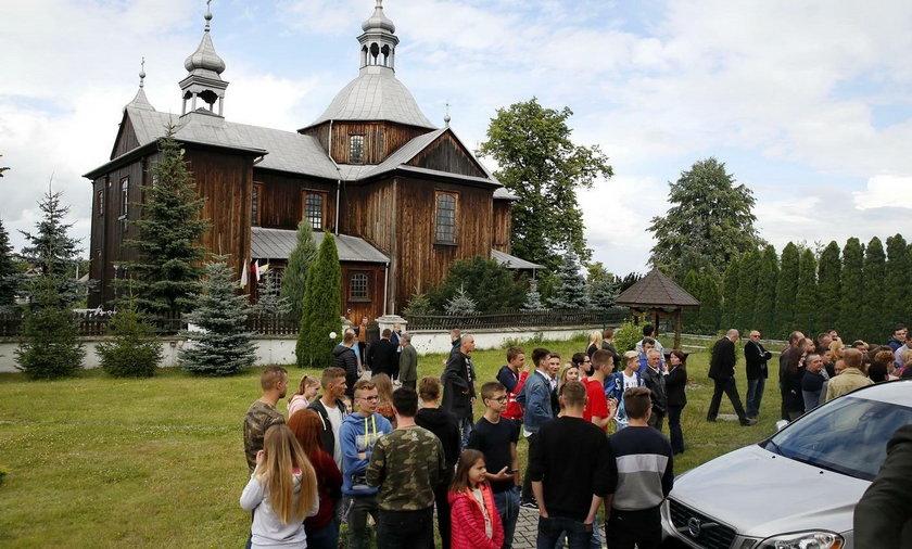 Wierni wyrzucili proboszcza z parafii w Mnichowie