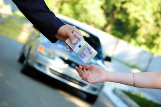Wciąż możesz odzyskać pieniądze za rejestrację sprowadzonego auta