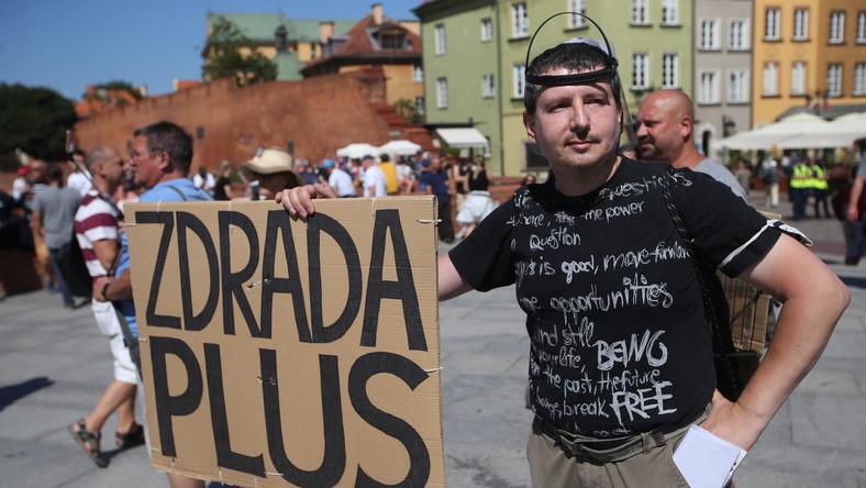 Protest przeciw noszeniu maseczek
