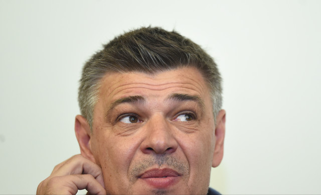 Savo Milošević drži predavanje