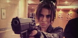 Natalia Siwiec z bronią w ręku