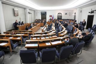 Senat przyjął uchwałę w sprawie sądownictwa. Domaga się zaprzestania represji wobec sędziów