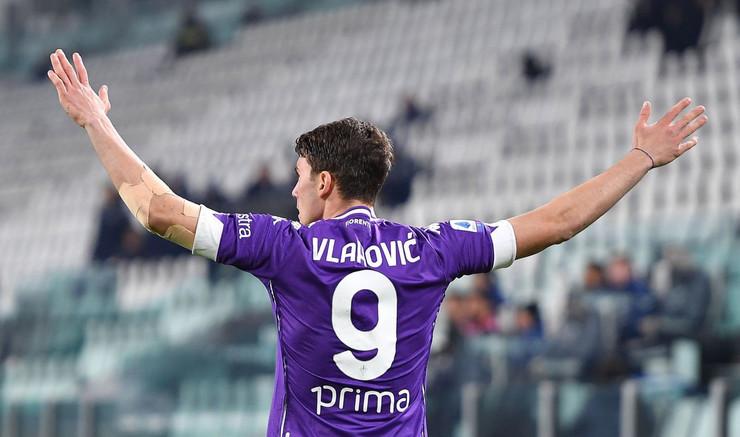 Dušan Vlahović