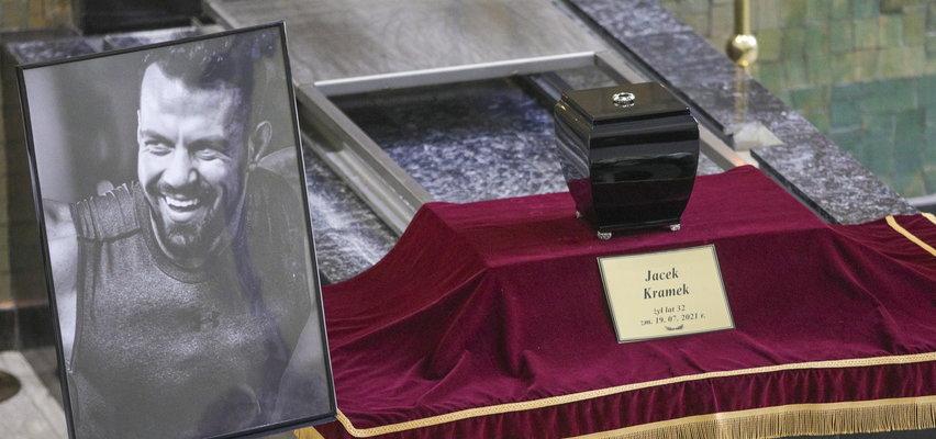 Pogrzeb Jacka Kramka. Rodzina i przyjaciele pożegnali` trenera personalnego