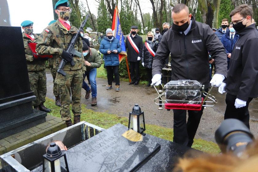Ostatnia droga Izabelli Sierakowskiej. Znani politycy pożegnali zmarłą posłankę
