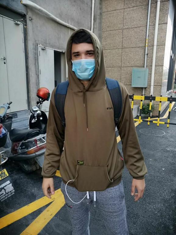 U Šenženu svi nose maske: Uroš Vasiljević na ulicama megalopolisa