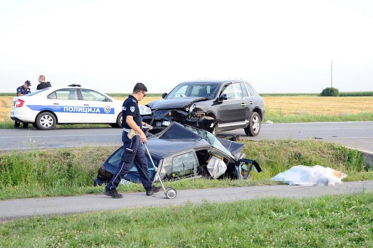 Zemun, saobraćajna nesreća, poginula žena, Busije