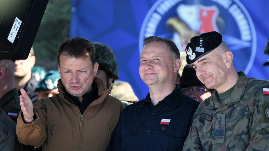 Mariusz Błaszczak, Andrzej Duda i gen. Rajmund Andrzejczak, fot. z czerwca 2020 r.