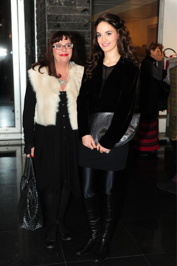 Anja Alač sa majkom Vesnom Čipčić