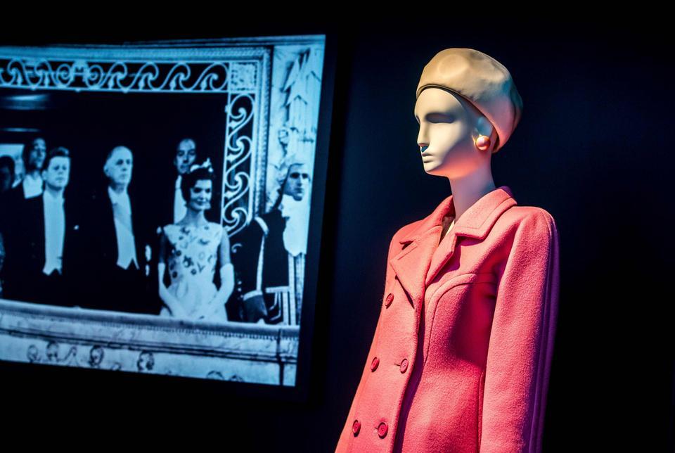 Projekt Huberta de Givenchy dla Jackie Kennedy