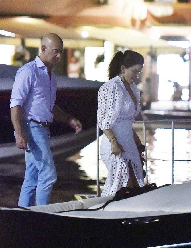 Džef Bezos i Loren Sančez