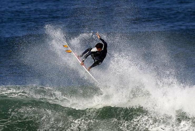 472994_surf-ap