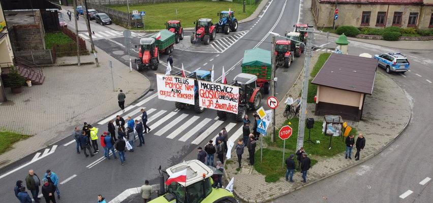 Rolnicy Agrounii rozpoczęli strajk. Gdzie są utrudnienia? Jak ominąć blokady dróg?