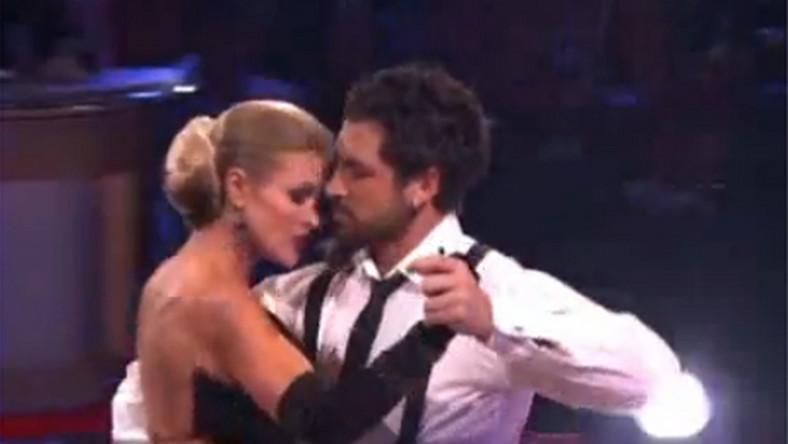 Tak Joanna Krupa tańczy zmysłowe tango