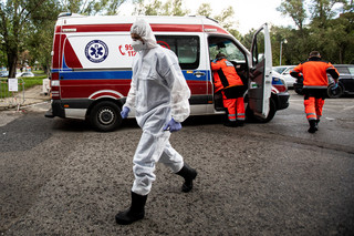 Ponad 60 tys. zgonów w roku pandemii [OPINIA]