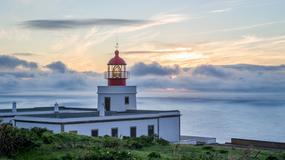 Turyści coraz częściej odwiedzają w Portugalii stare młyny i latarnie morskie