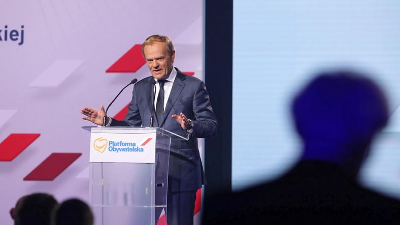 Przewodniczący Europejskiej Partii Ludowej, współzałożyciel PO Donald Tusk przemawia podczas posiedzenia Rady Krajowej Platformy Obywatelskiej, 3 bm. w Hali Global Expo w Warszawie.