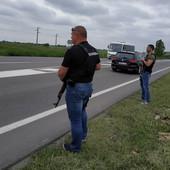 BLOKADA NOVOG SADA Policija na svim izlazima iz grada, zaustavlja sve u potrazi za brutalnim zetom koji je ubio celu porodicu u Novom Sadu