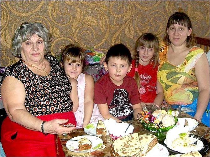 Zoja, Lucija i unučići