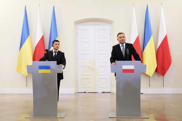 Nowy prezydent zadeklarował gotowość zniesienia moratorium na ekshumacje polskich żołnierzy. Ma to zakończyć spory, które trwały przez znaczną część kadencji Poroszenki.