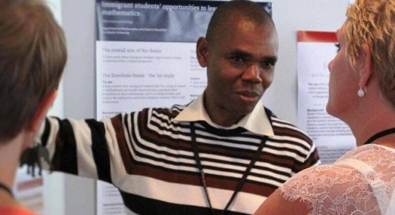Nigerian teacher, Dr Peter Ogudoro, wins Facebook award for developing online teachers' platform. [tribuneonlineng]