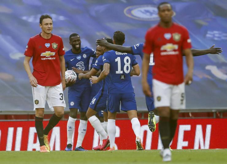 Fudbaleri Čelsija slave gol protiv Mančester junajteda