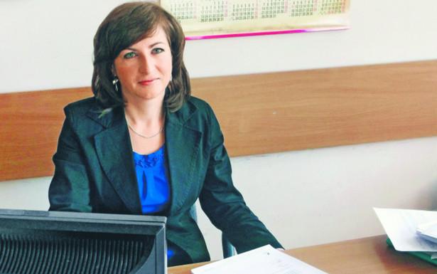 Beata Dziadkowiec, specjalista ds. udzielania ulg podatkowych w Urzędzie Skarbowym w Myślenicach