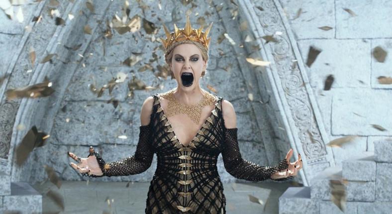 """Charlize Theron w filmie """"Łowca i Królowa Lodu"""""""