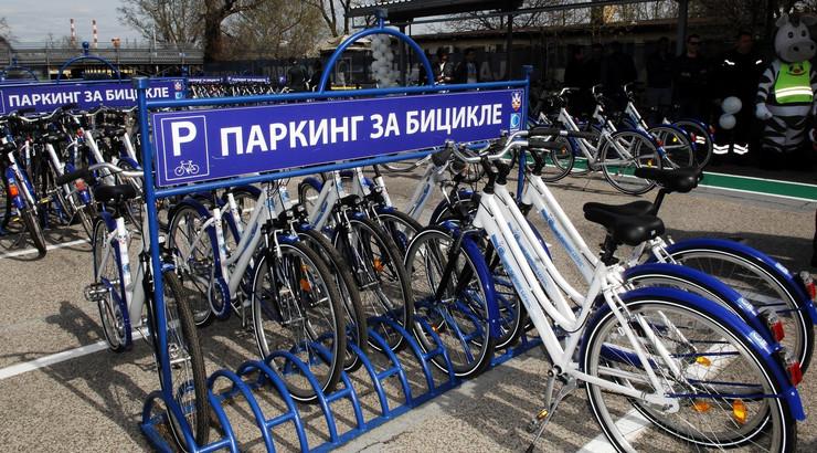 Novi parkinzi za bicikli