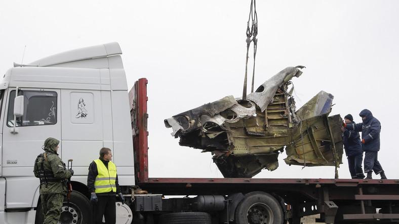 Pozostałości zestrzelonego nad kontrolowanym przez prorosyjskich separatystów Donbasem Boeinga trafią do Holandii.