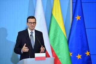 Morawiecki: Ponad 10 tys. osób przetransportowanych z Bliskiego Wschodu znajduje się na Białorusi