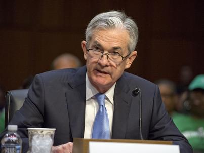 Jerome Powell, szef Fed, podnosi stopy procentowe w USA