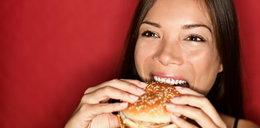 Lubisz hamburgery? Możesz mieć problem z płodnością