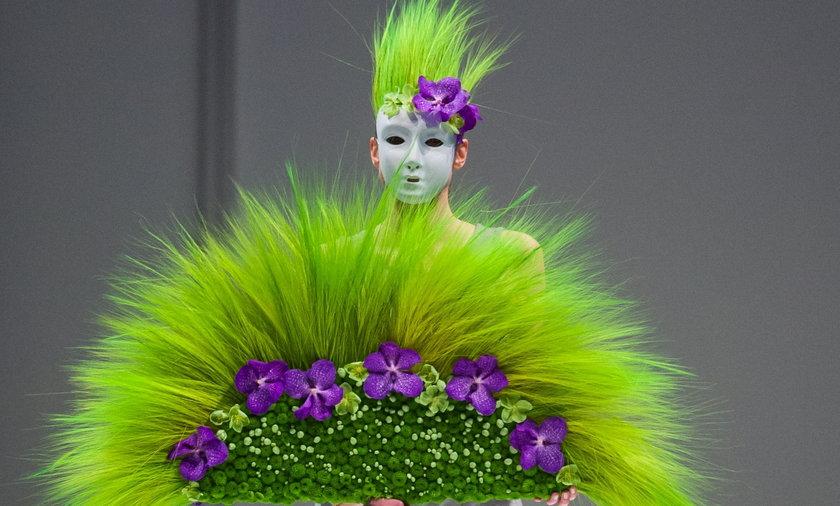 Kwiatowy pokaz mody