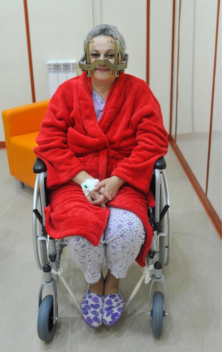 prva pacijentkinja Snežana Damjanović  Gama noz klinicki centar_021115_RAS foto Oliver Bunic20_preview
