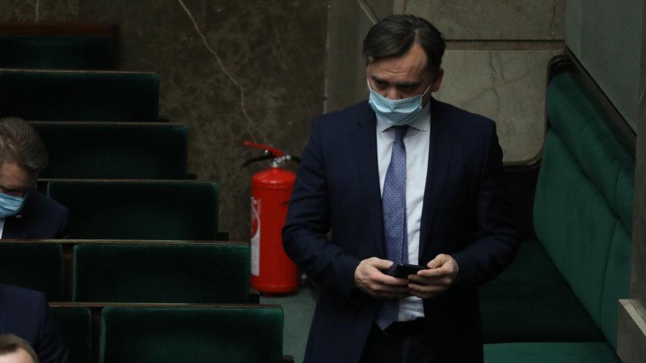 Minister sprawiedliwości Zbigniew Ziobro w ławach rządowych w Sejmie
