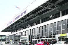Norvežanin ugasio cigaretu ispred beogradskog aerodroma i OSTAO BEZ PASOŠA