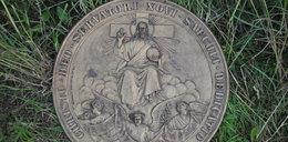 Okradali kościoły. Jezus pomógł polskiej policji
