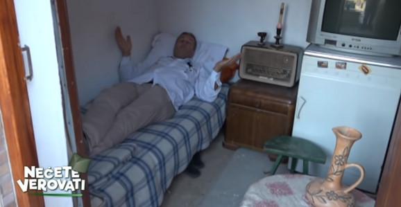 Ispod kreveta - grobno mesto
