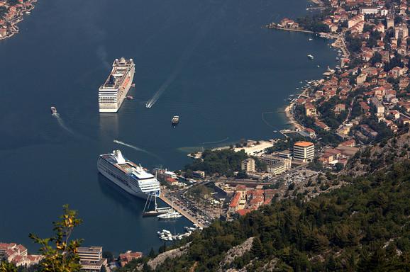 Sve češće se bune i građani Kotora