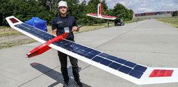 Ten samolot żywi się słońcem!