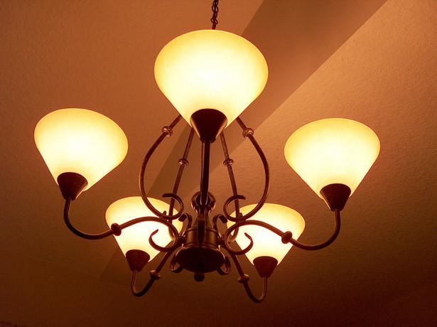 W najbliższym czasie prezes Urzędu Regulacji Energetyki Mariusz Swora nie planuje uwolnienia cen energii dla gospodarstw domowych.
