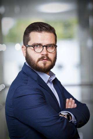 Dziennikarz DGP Bartek Godusławski finalistą Nagrody Dziennikarstwa Ekonomicznego Press Club Polska