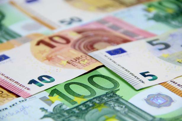 Łącznie, w czterech emisjach, KE pozyskała łącznie 54 mld euro na sfinansowanie RRF.
