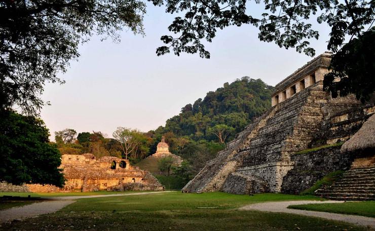 250690_piramide-foto-reuter